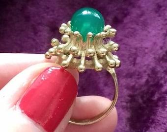 Stunning vintage Modernist Sputnik ring 8ct gold green onyx bombe meteorite J 5