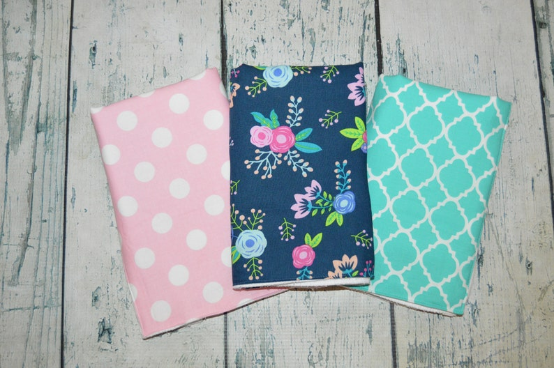 Personalized Baby Burp Cloth Set Floral Fabric Burp Cloth set of 3 Pesonalized Flower Girls Burp Cloths
