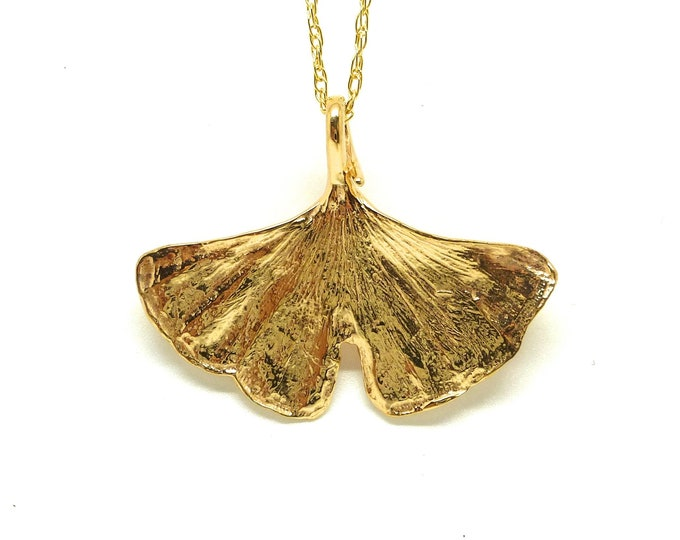 Gingko Leaf Necklace in Gold