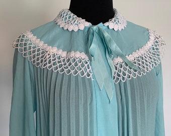 806baf6f54e4c Odette Barsa - Vintage Robins Egg Blue Peignoir Robe - Short - Sheer - Blue  - Pleated - Long Sleeve - Blue - White Lace - Maternity Photos