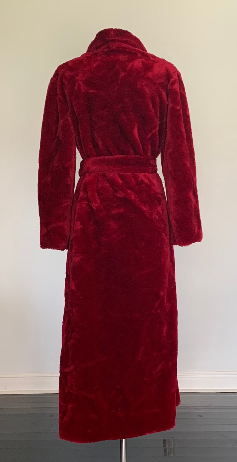 Vintage Unisex Ruby Red Plush Robe 44 Bust 1980s Soft Robe Heavy Adjustable 1970s I Appel Long Robe Fuzzy Large