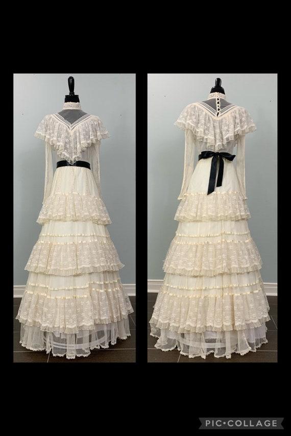 1970s Gunne Sax Beige Lace Long Sleeve Layered Wed