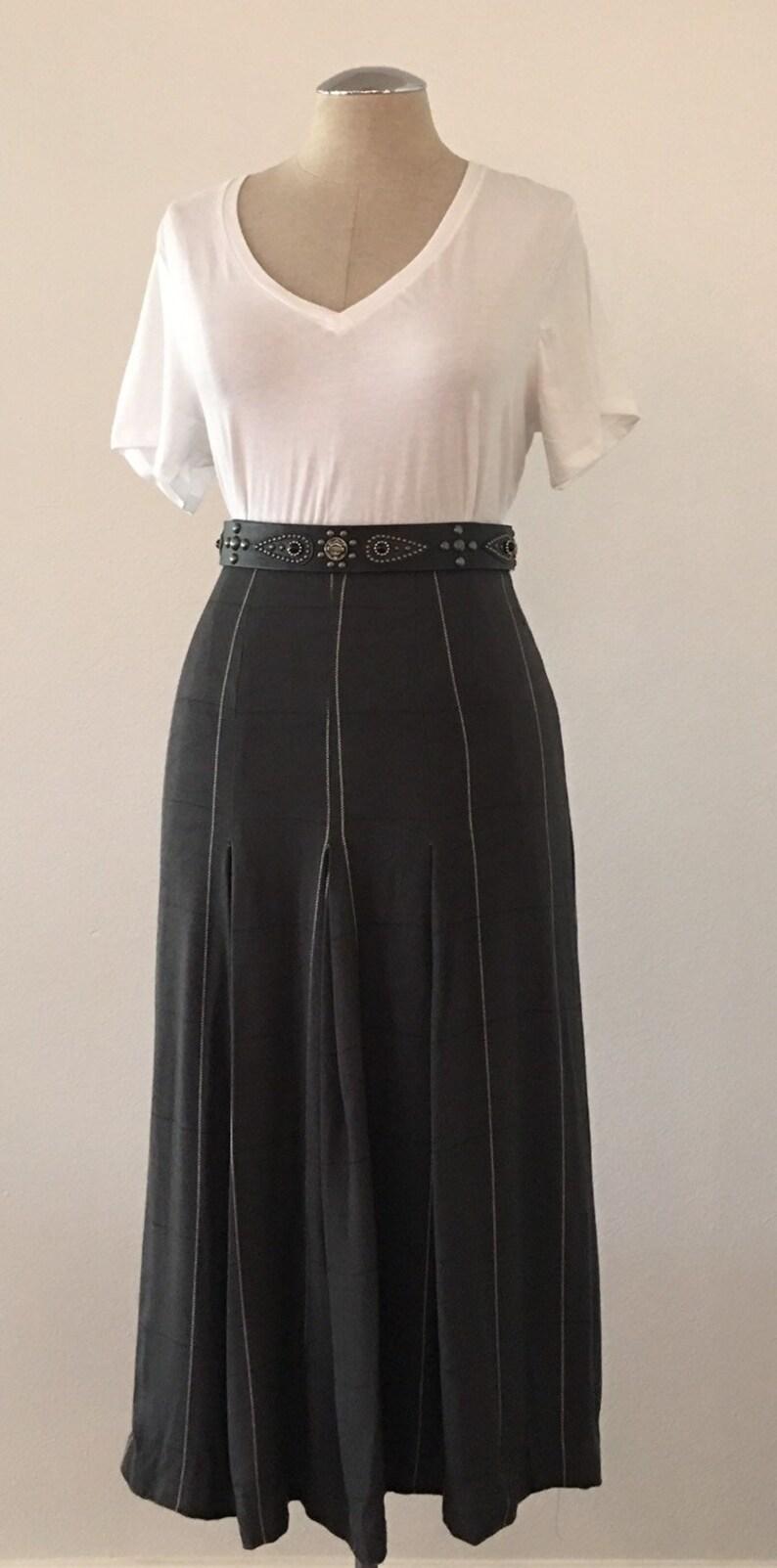 8aea085b63b Vintage Charcoal Gray Windowpane Skirt Graphite Grey 28 | Etsy