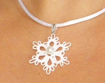 Tatted jewelry simple snowflake pendant Tatting - The Flair with a pearl MTO