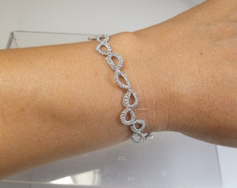 Fine small Tatted Lace jewelry Bracelet -Halo Steps in metallic silver for casual wear simple style minimalist