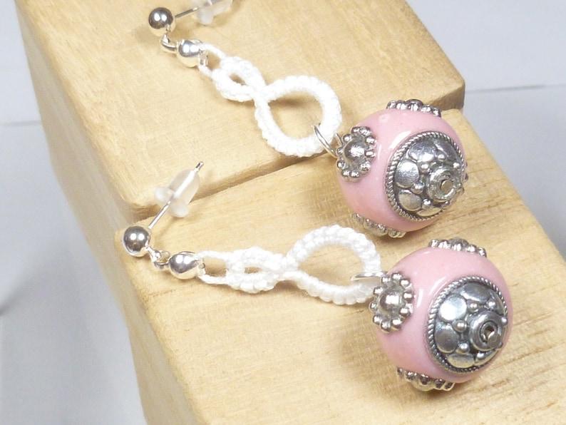 Shuttle Tatted dangling earrings-Drops in white modern lace image 1