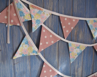 Small Classic Bunting. Floral Bunting // Wedding Bunting //Wedding Decor // Party Bunting // Pastel Bunting // Shabby Chic Bunting.