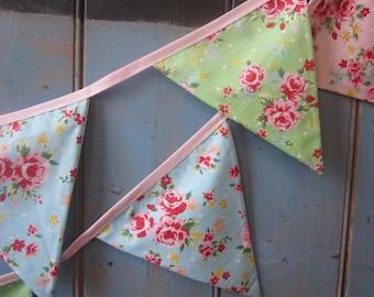 Classic Bunting. Wedding Bunting // Floral Bunting // Shabby Chic Decor // Wedding Decor // Party Bunting // Handmade Bunting // Garlands.