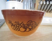Pyrex Old Orchard 1 1 2 pint Brown Harvest, Pyrex, Nesting Bowl, Mixing Bowl