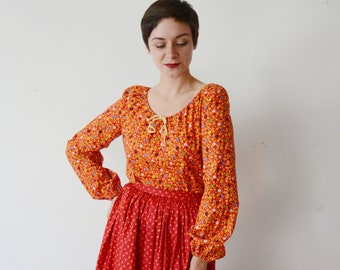 1970s Cotton Red Floral Peasant Top - S/M