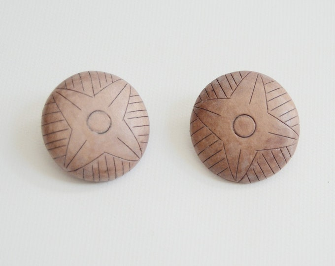 1970s Round Wooden Clip On Earrings