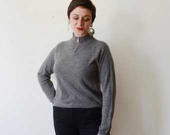 1990s Bloomingdales Grey Cashmere Sweater - M
