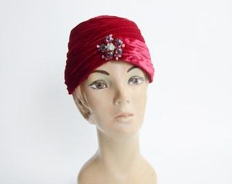 1960s Red Velvet Turban