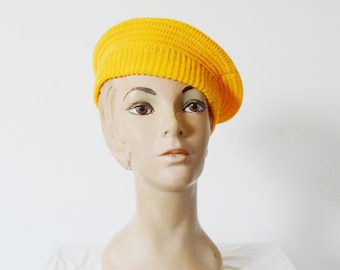 1980s Yellow Knit Beret