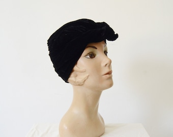 1960s Black Velvet Turban