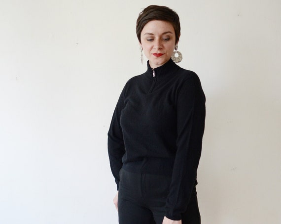 1990s Bloomingdales Black Cashmere Sweater - M