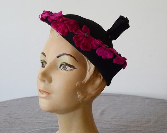 1940s Black Tilt Hat with Fuchsia Flowers