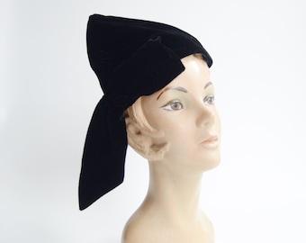 1930s Black Velvet Pixie Hat