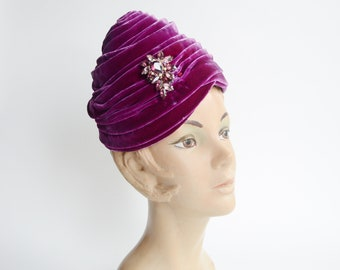 1960s Velvet Bubble Hat