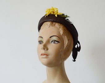 1930s Brown Straw Hat with Yellow Flower