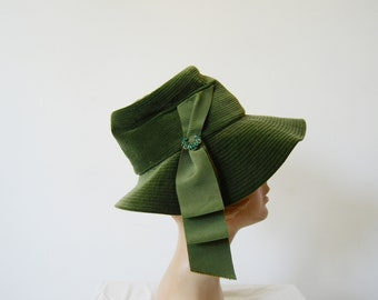 1960s Green Velvet Bucket Hat