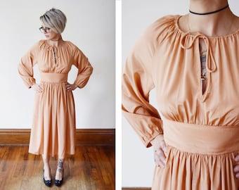Silky 1970s Peach Dress - XS/S