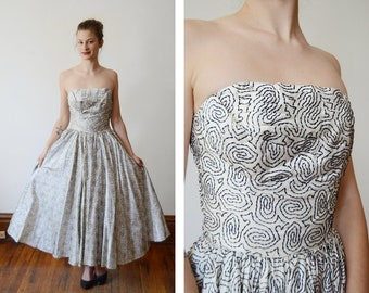 1950s Flocked Velvet White and Black Party Dress - XS