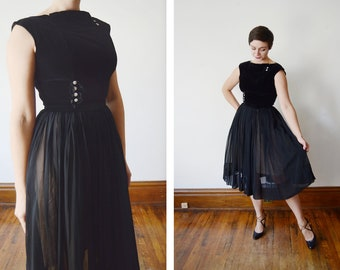 1950s Velvet and Chiffon Party Dress / 1950s LBD - S