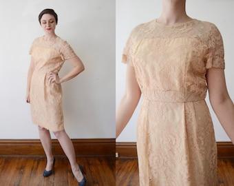 Spiderweb Lace 1960s Peach Dress - M