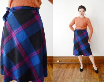 1970s Blue Plaid Wrap Skirt - M/L