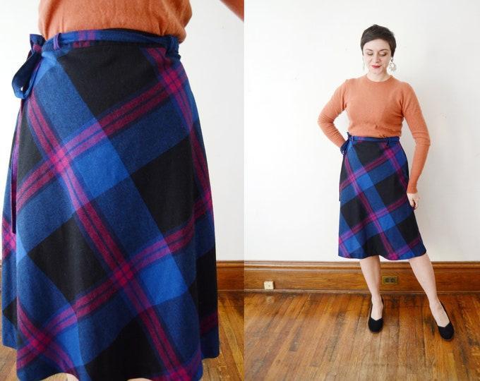 1970s Blue Plaid Wrap Skirt - M/L