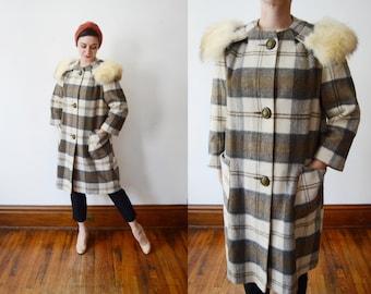 1960s Plaid Coat with Fur Collar - S/M
