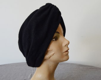 1970s Lord and Taylor Black Wool Turban