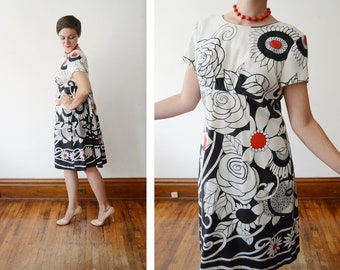 1960s Graphic Black and White Floral Dress - M