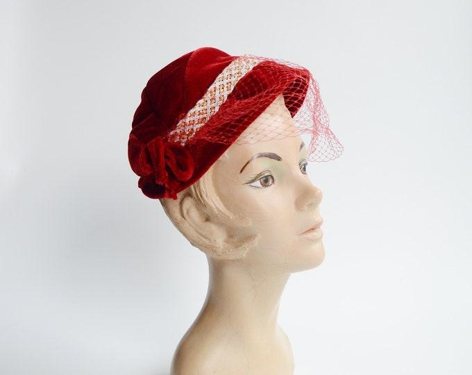 1950s Red Velvet Hat