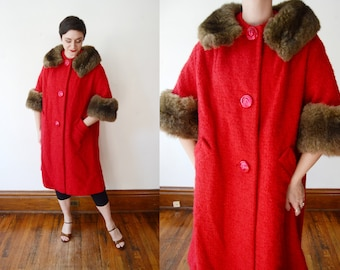 1960s Red Wool Coat with Fur Collar - M
