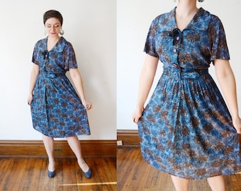 1950s Nylon Jersey Blue Floral Dress - XL