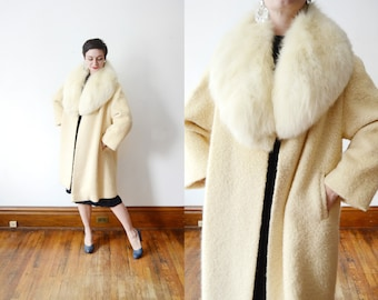 1960s Cream Wool Coat with Fox Collar - M