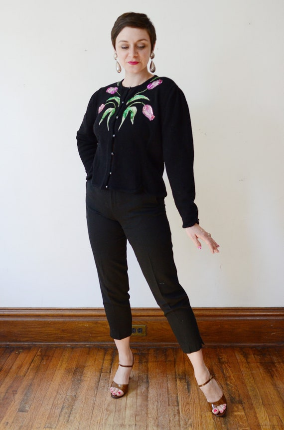 Anne Crimmins Floral Applique Sweater - L
