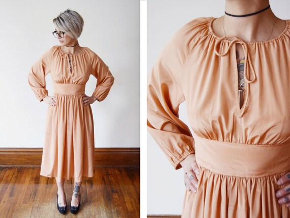Silky 1970s Peach Dress - XS/S