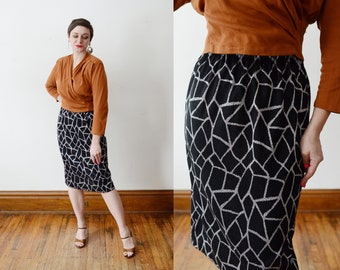 1980s Silver and Black Knit Skirt - M