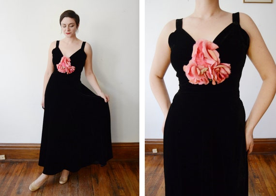 1930s Black Velvet Gown with Pink Silk Flowers - S - image 1