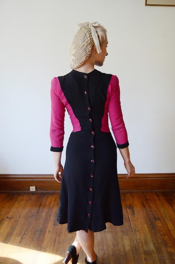 1940s Fuchsia and Black Colorblock Dress - XS - image 3