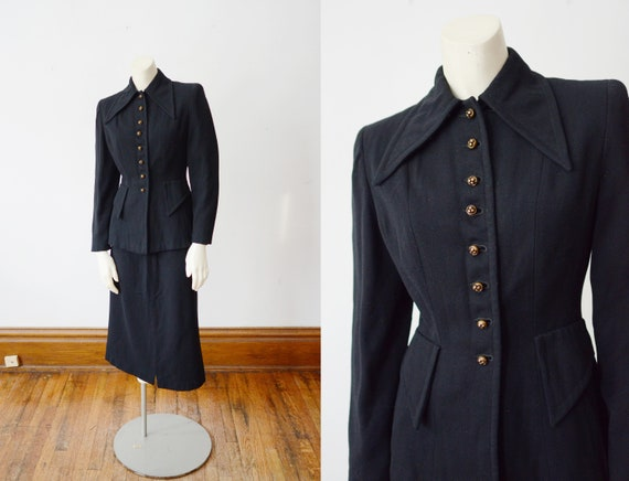 1940s Black Wool Suit with Dagger Collar - XS