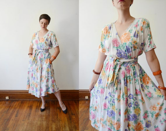 1980s White Floral Wrap Dress - M