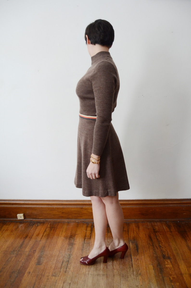 SM Early 1970s Brown Knit Sweater Dress