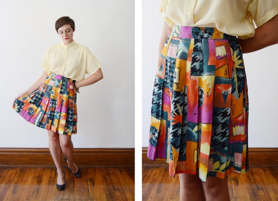 80s/90s Pleated Abstract Rayon Skirt - M