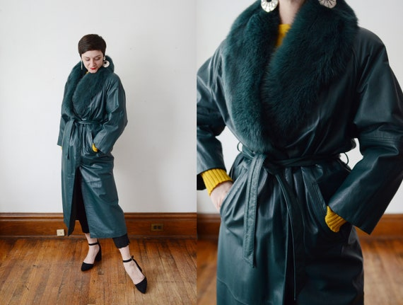 1980s Green Leather Coat with Dyed Fur Collar - M
