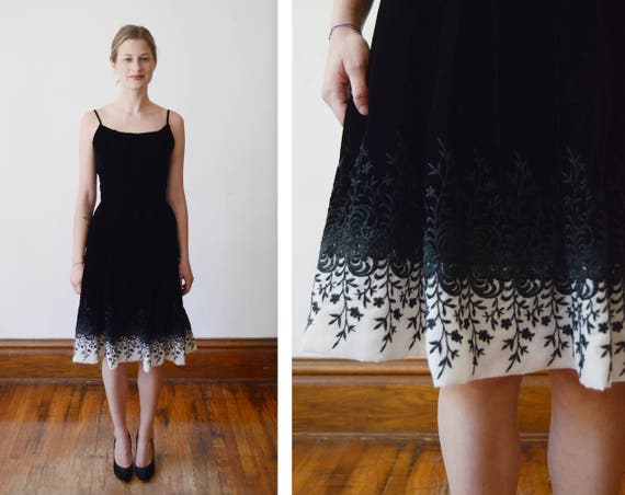 1950s Embroidered Black Velvet Dress - XS/S