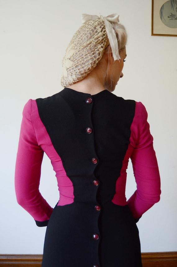 1940s Fuchsia and Black Colorblock Dress - XS - image 4